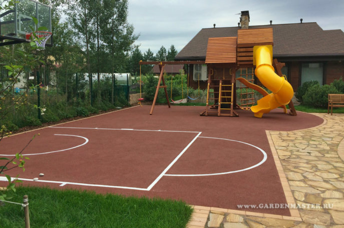 Детская площадка на садовом участке